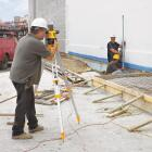 Dewalt 20x Magnifying Manual Sight Level Image 2